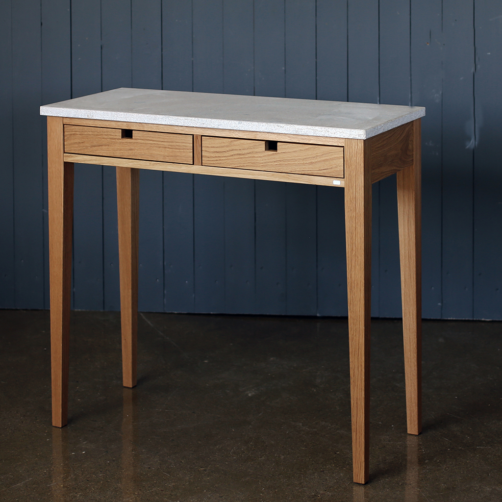 Ala Skrivbord med 2 lådor Ek Skrivbord   G.A.D   Länna